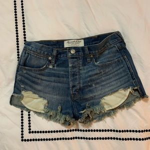 A&F festival shorts high rise distressed